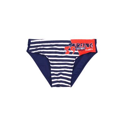 Tengerészes fiú úszó