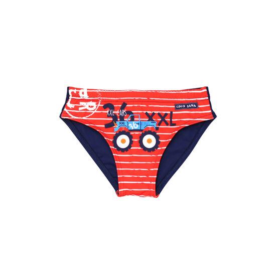 Piros csíkos fiú úszó